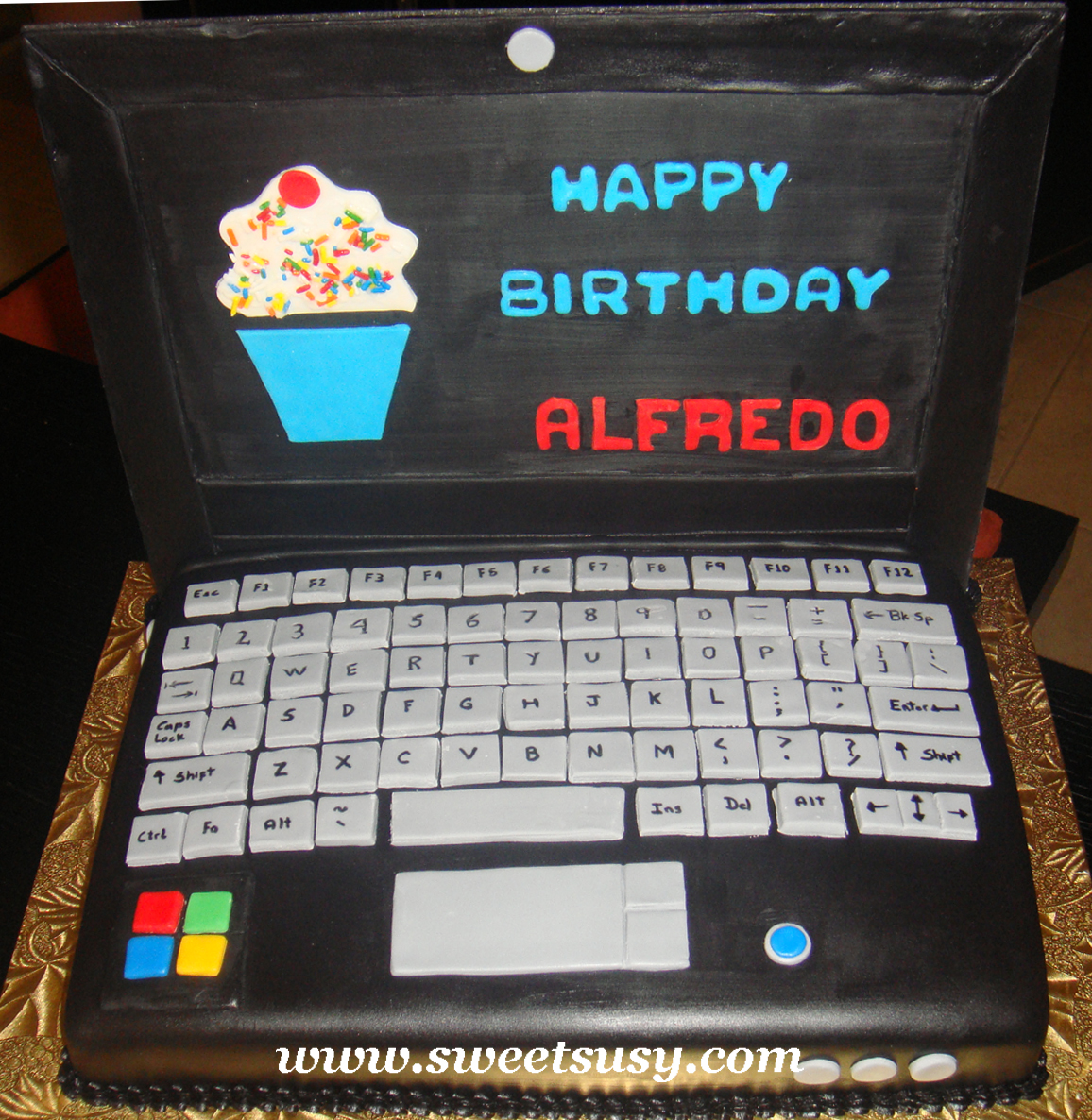 25 Best Ideas About Computer Cake On Pinterest: Www.sweetsusy.com