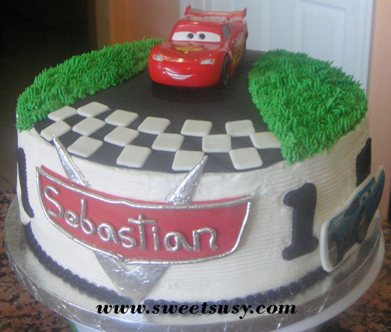 Disney Cars Cake Images : Round Disney Cake Car Pictures - Car Canyon